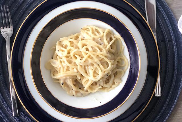 Spaghetti Cacio e Pepe (Queijo & Pimenta)